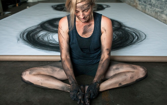 Heather Hansen - Painting with the body - Setup Ragusa